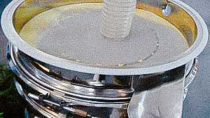 Vibration sieve for pharmaceutical products drug and food production