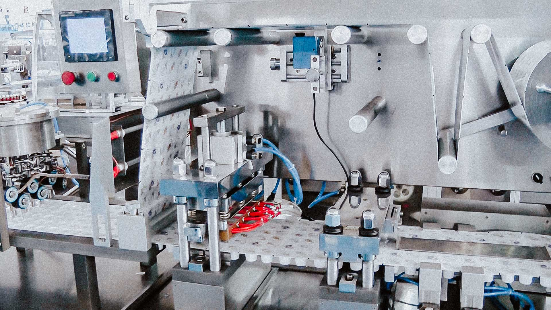 Automatic blister equipment for dispensing and packing disposable cream into blisters