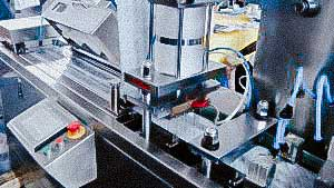 Automatic blister equipment for packaging tablets and gelatin capsules