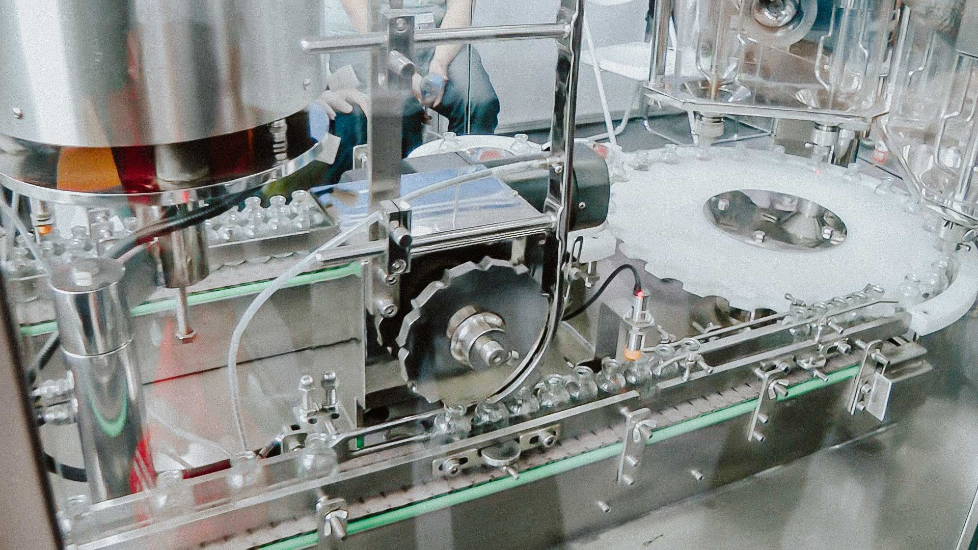 Automatic bottling and capping machine penicillin with aluminum cap