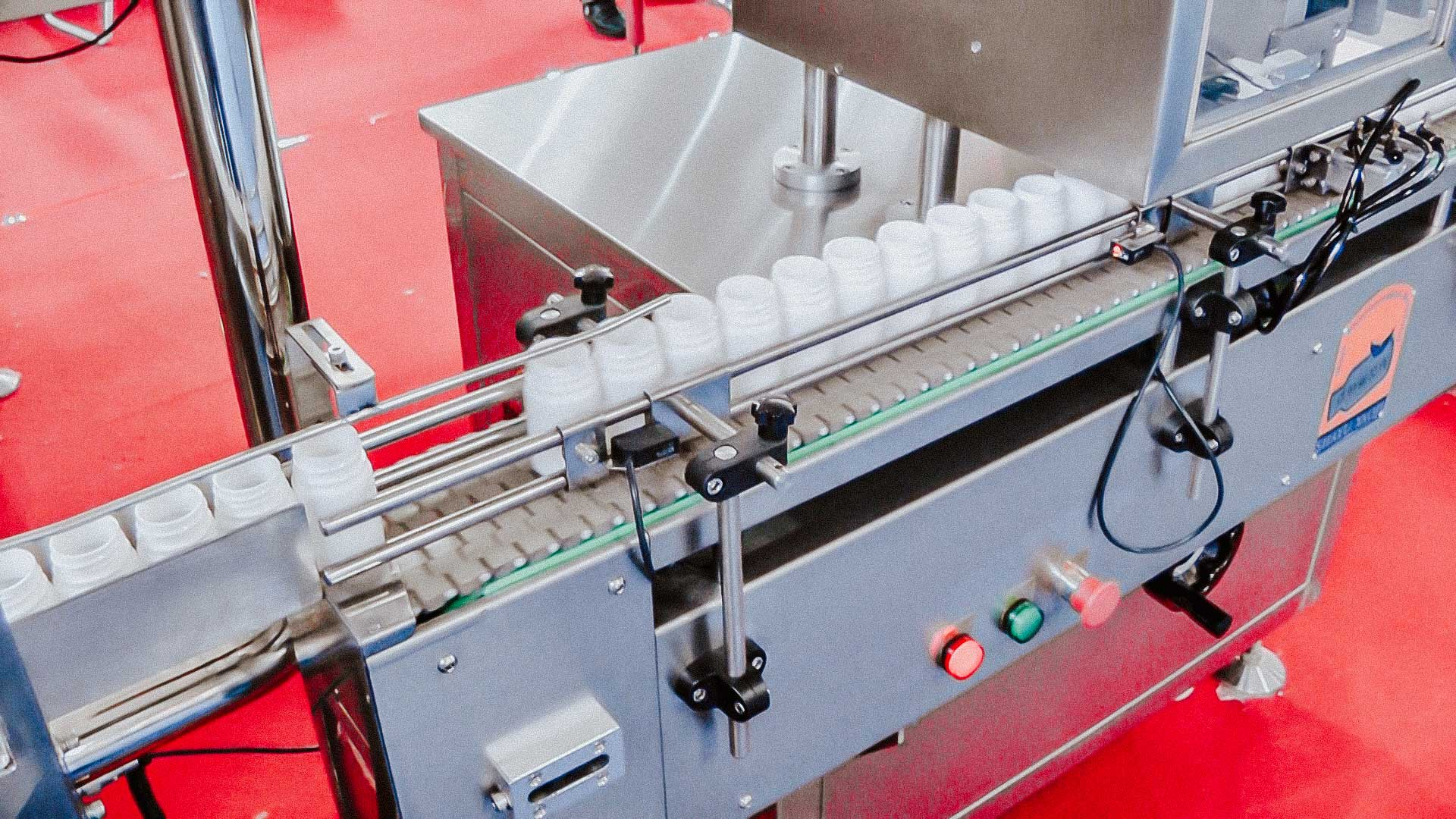 Automatic filling and filling machine in plastic bottles hard gelatin capsules