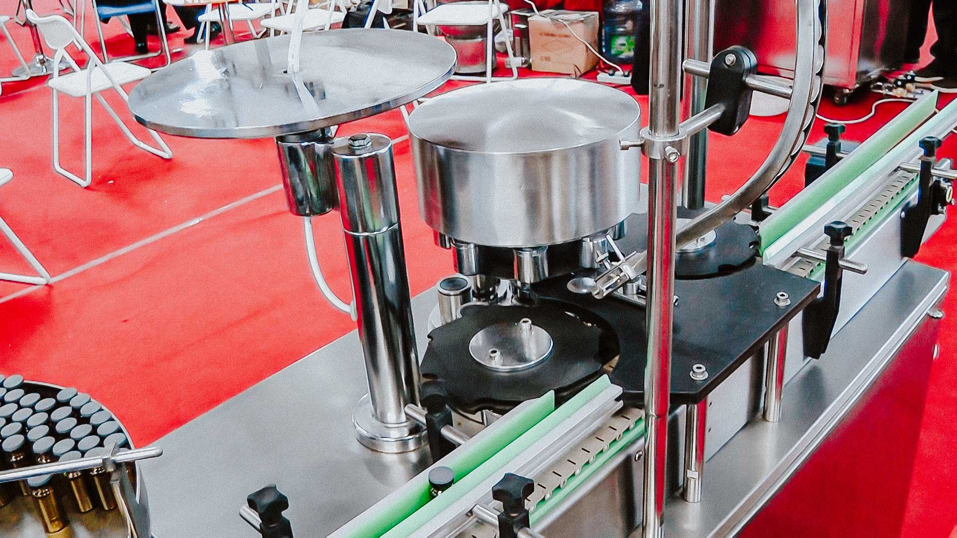 Automatic penicillin bottle capping machine with aluminum cap