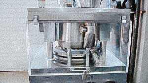 Automatic rotary tablet press for pharmaceutical tablet pressing