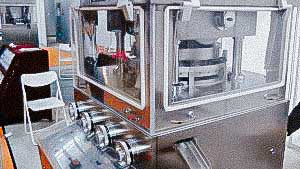 Automatic rotary tablet press for production of tablets