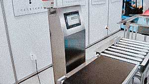 Automatic transporter scales for dose control high weight pharmaceutical products