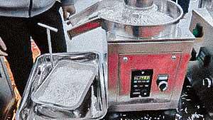 Desktop model granulator production of pellets for tablet preparation