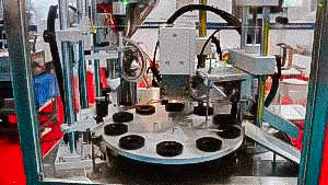 Equipment for filling and sealing the cream in plastic tubes
