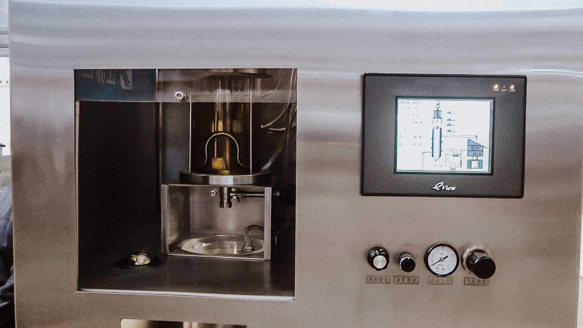 Equipment for oil capsule in soft gel capsule
