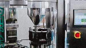 Hard gelatine capsules powder filling machine high speed and accurate dosing