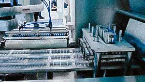 High speed automatic blister machine for PVC and ALU blister packing in penicillin bottles