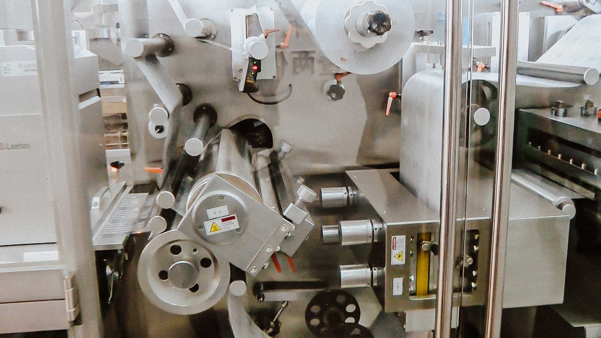 High speed automatic blistering machine for PVC / ALU packaging
