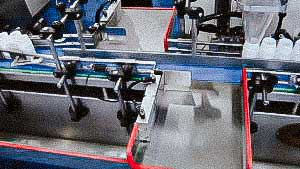 High speed automatic filling line of gelatin capsules in plastic bottles screwing the cap