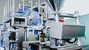 High speed automatic packing machine for packing powder or granulate in sachet
