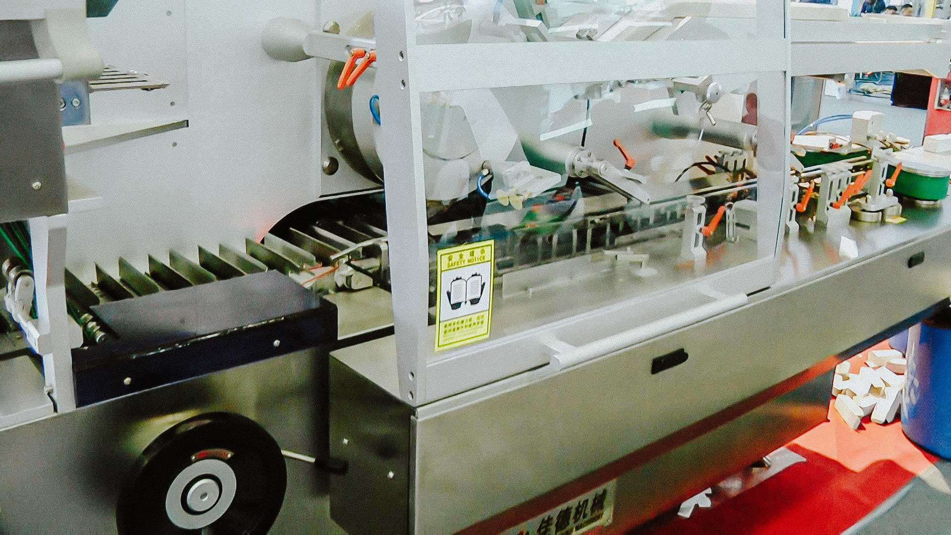 High speed automatic plastic bottles cartoning equipment for packing bottles in boxes
