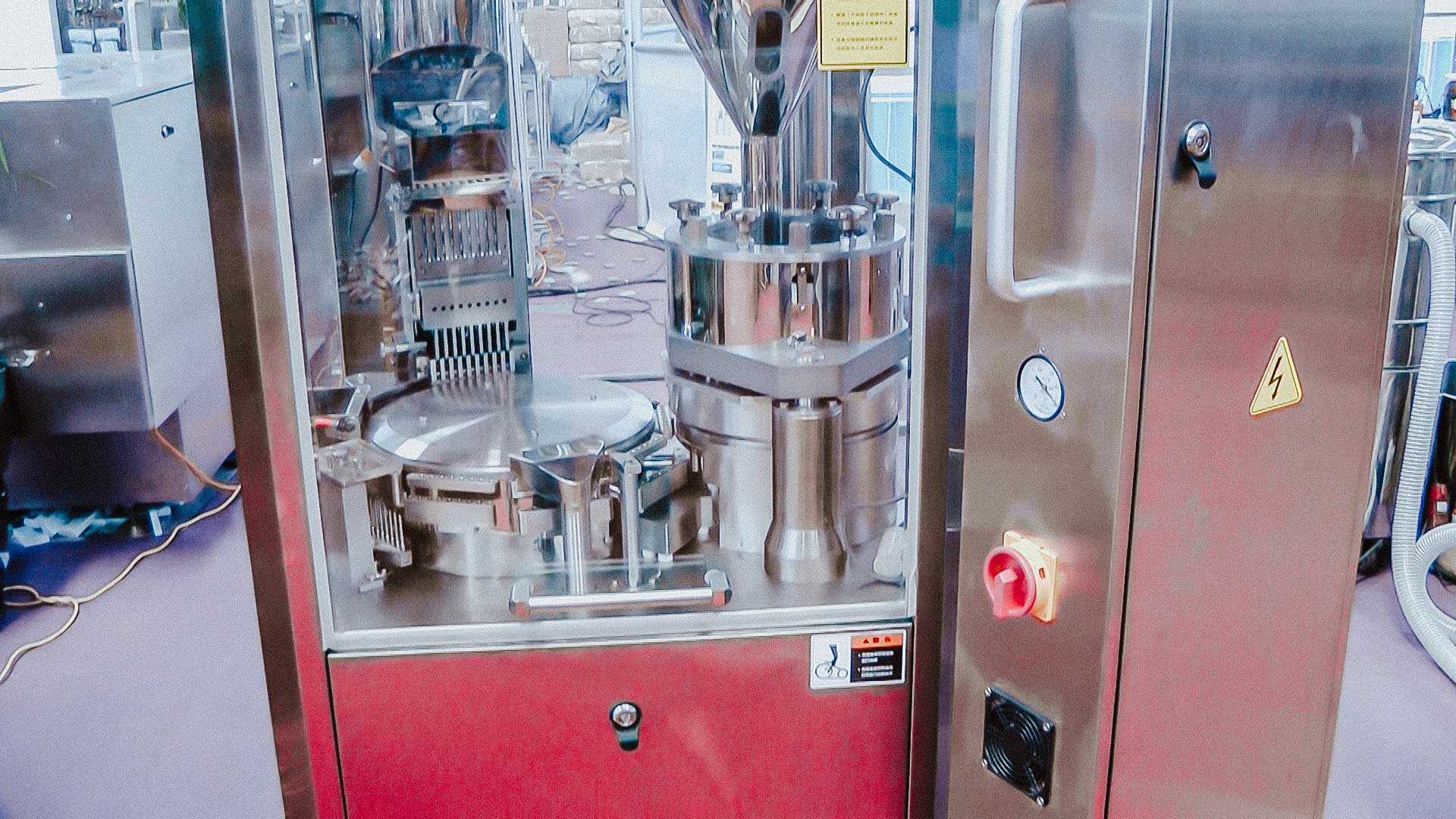 High speed automatic powder filling for hard gelatin capsules