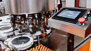 Hight speed automatic equipment for filling liquid products in penicillin bottles with aluminum caps