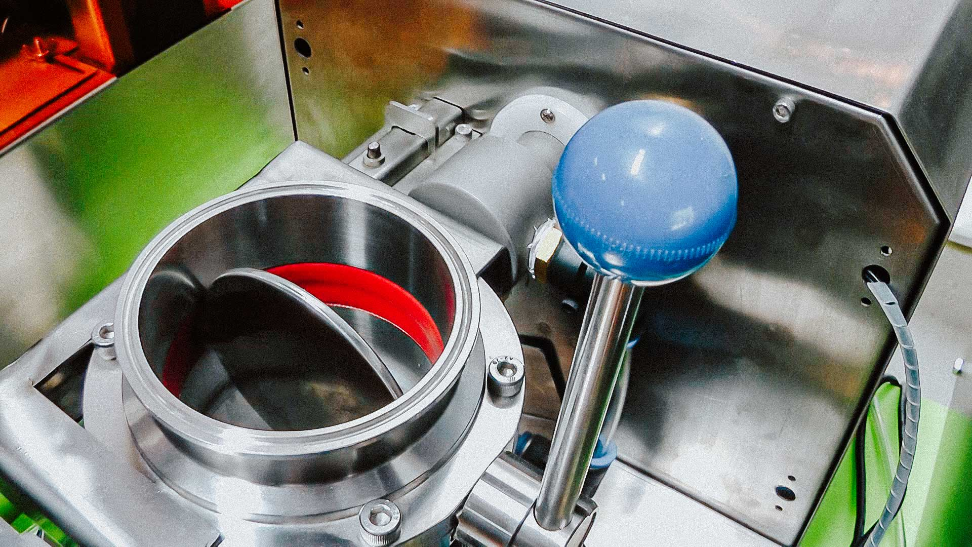 Laboratory pharmaceutical equipment for the production of pharmaceutical raw materials