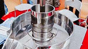 Laboratory wet powder granulator for pellet production in pharmaceutical factory