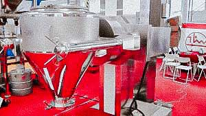 Pharmaceutical cone mixer of powders and granules in the production of medicines