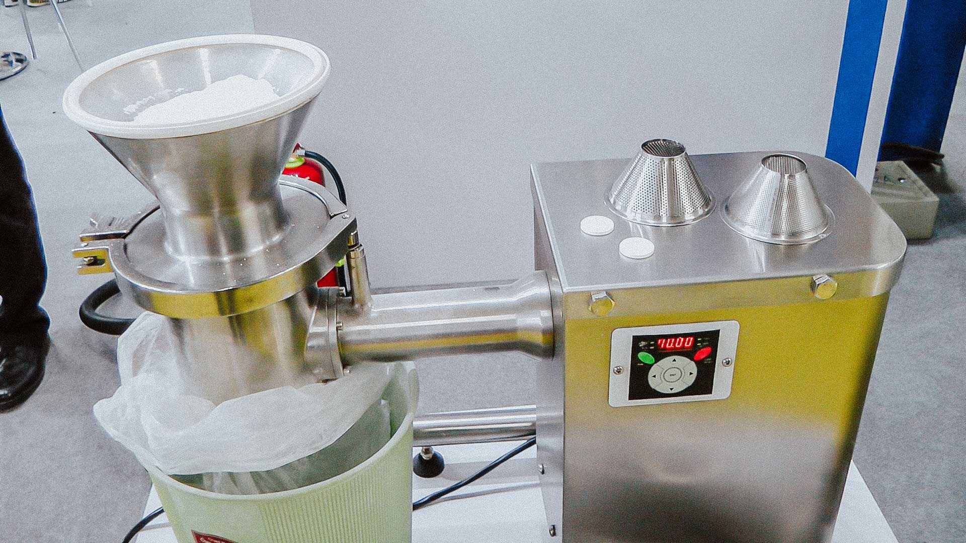 Pharmaceutical equipment for laboratory pellet production