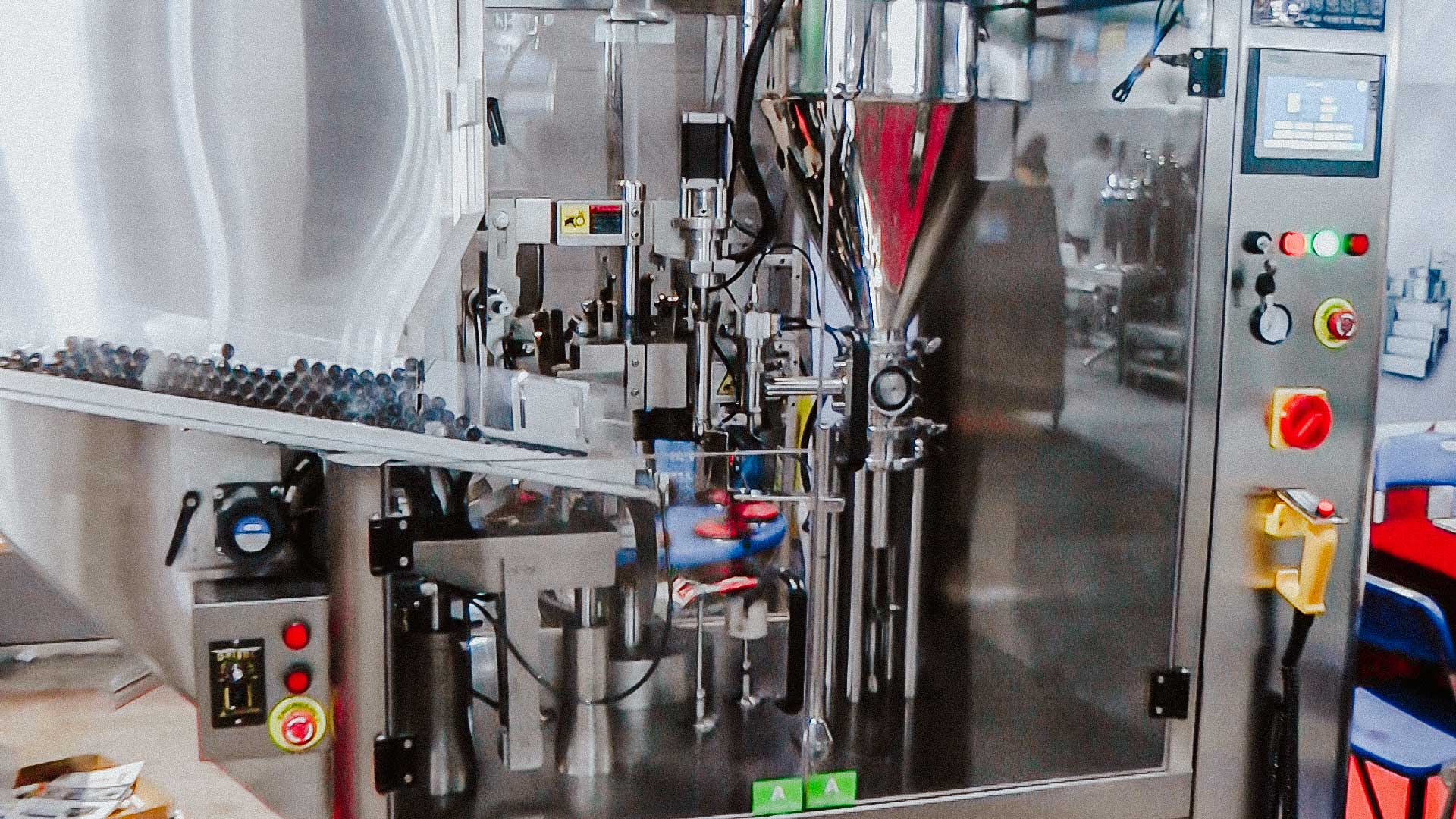 Plastic tubes cream filling machine and sealing edge puts shelf life