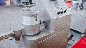 Powder granulator for preparation of granular medicines and food products