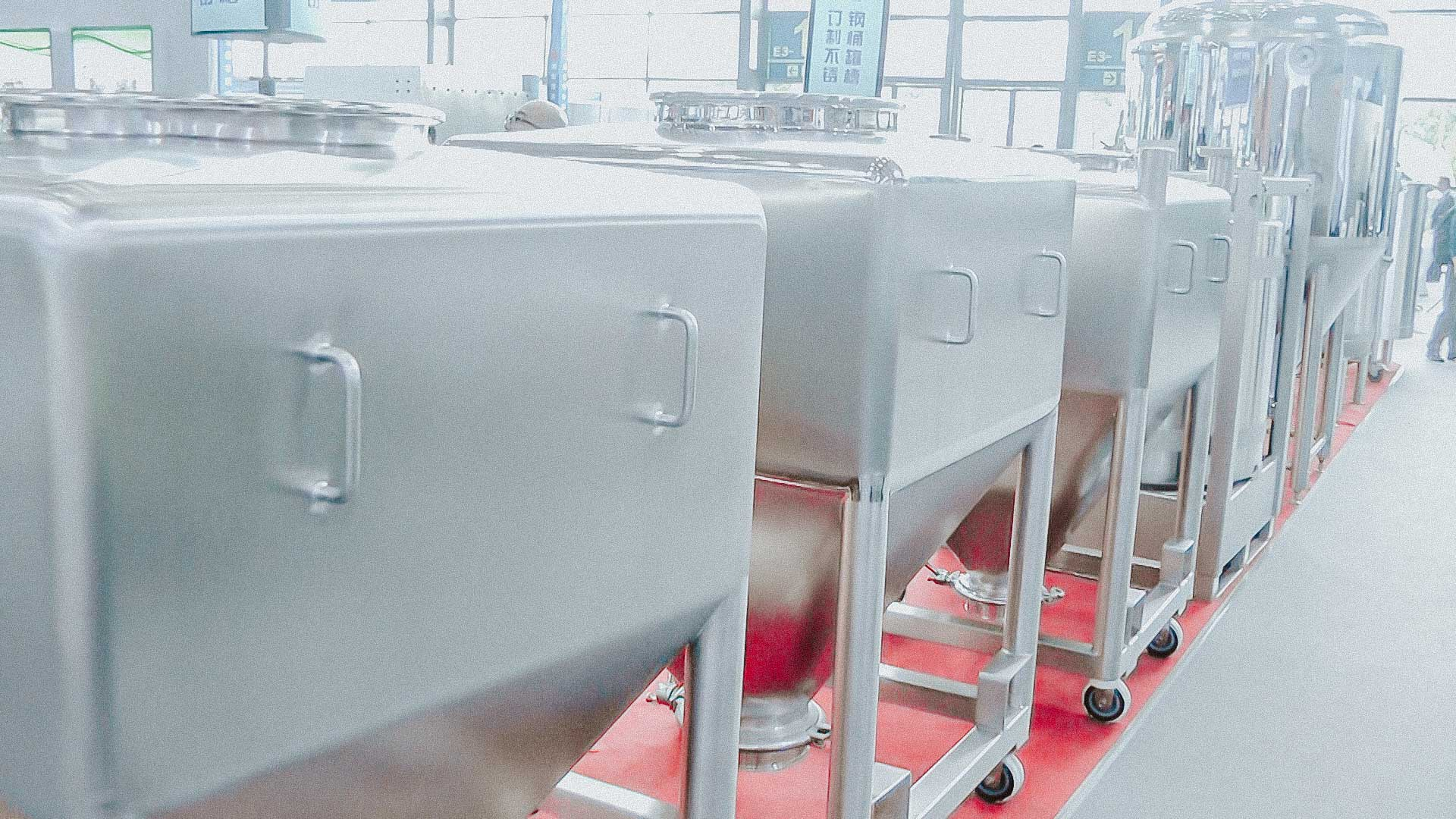 Stainless steel tanks for storage and preparation of liquid medicines