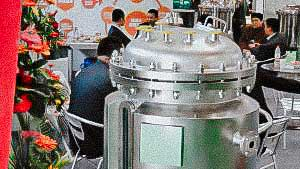 Tank for liquids volume of 200 liters with water jacket and heating for pharmaceutical liquids