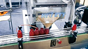Automatic equipment for tablet counting and filling of bottles in pharmaceutical production Austria