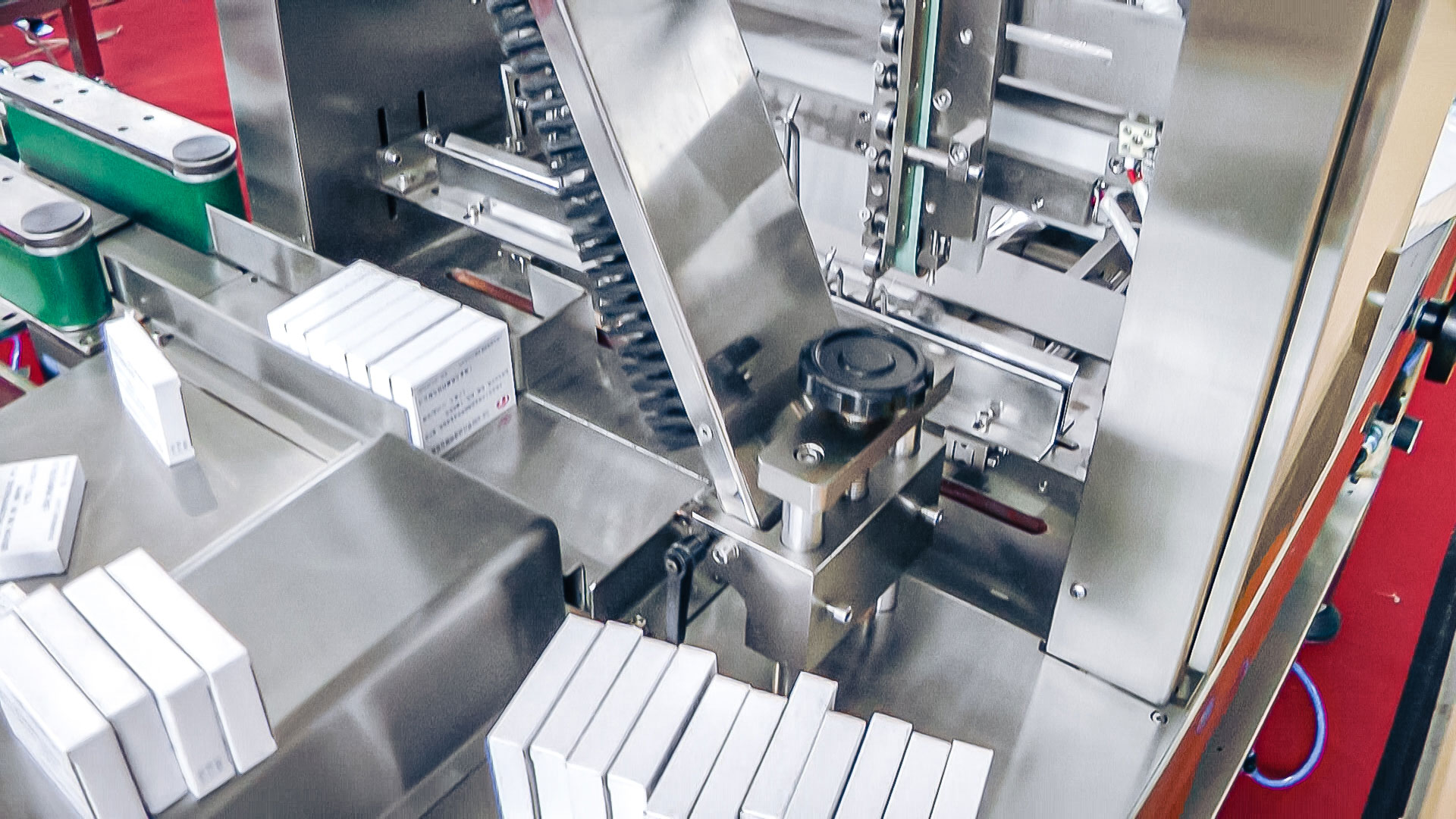 Automatic equipment cellophanator in pharmaceutical production Norway