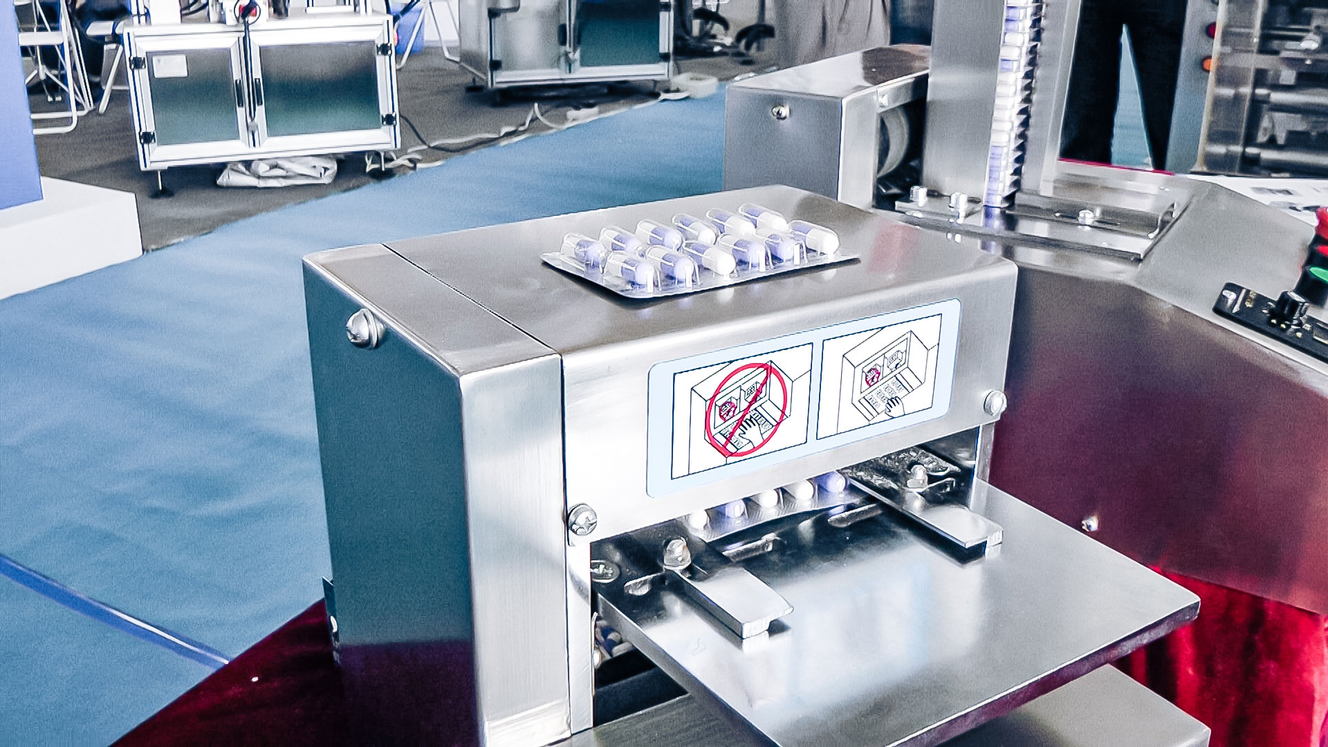 Automatic equipment for PVC blister removal of gelatin capsules in pharmaceutical production Italy