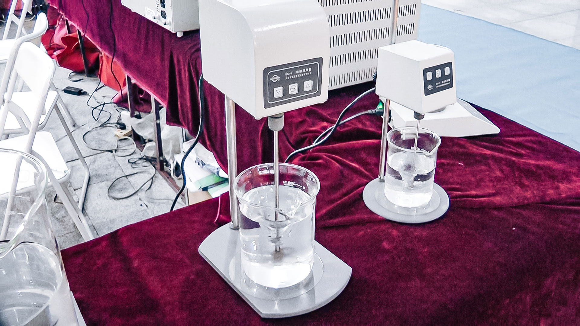 Automatic equipment for testing the dissolution rate of tablets in pharmaceutical production