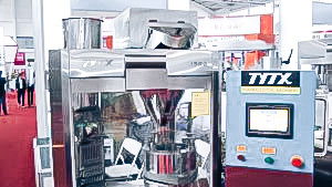 Automatic equipment for the production of powder tablets in pharmaceutical production