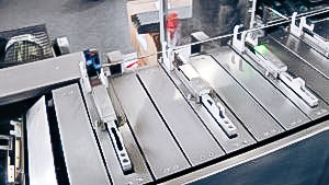 Automatic packaging equipment sashet in boxes in pharmaceutical production Japan