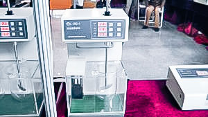 Automatic pellet speed testing equipment in pharmaceutical production