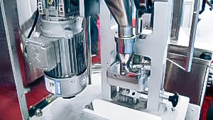 Automatic tablet production equipment with laboratory press in pharmaceutical production